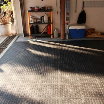 rubber-flooring-domestic-garage
